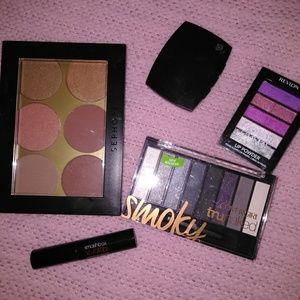 Blush and eyeshadow bundle